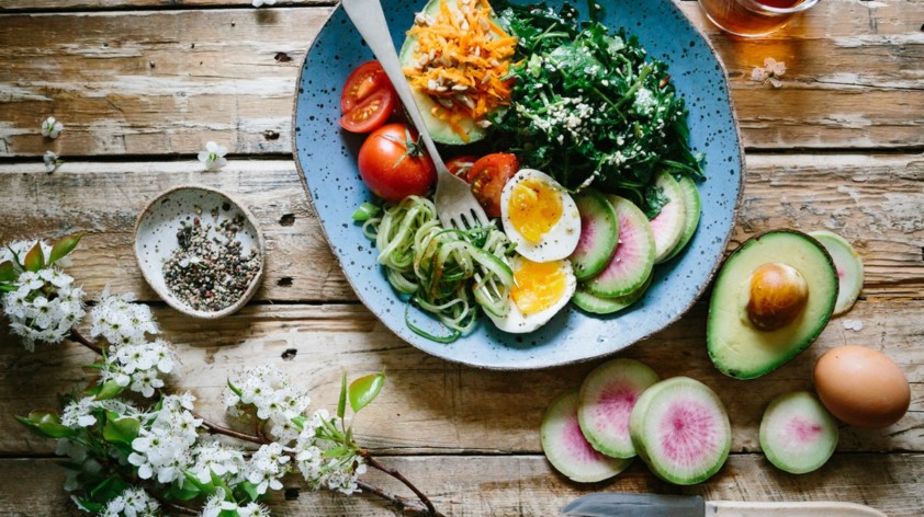 Literature Reviews on Nutrition and Pharmaceuticals